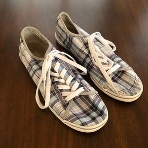 🍃Vans blue and white plaid size 8.5🍃